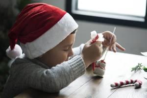 Joulutyöpaja: Vinkkejä joululahjoihin ja -koristeisiin, joita lapset osaavat itse valmistaa