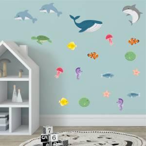 Hienot seinätarrat kaloin ja mereneläimin